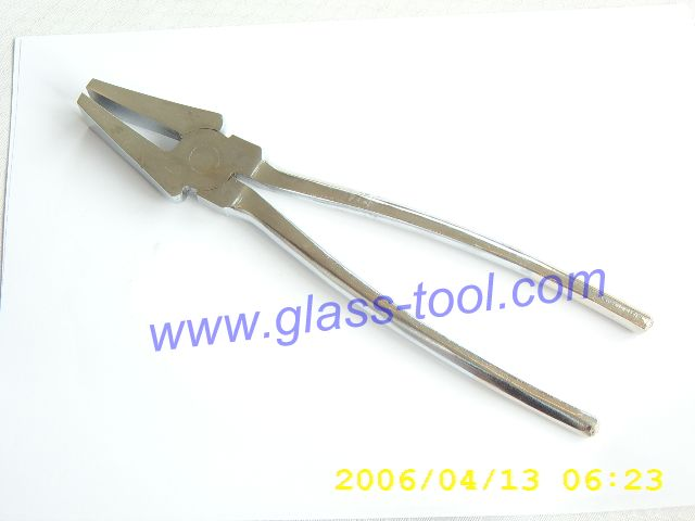 Glass plier